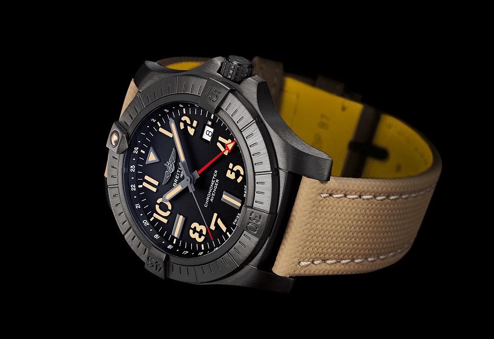 アベンジャー オートマチック GMT 45 ナイトミッション
