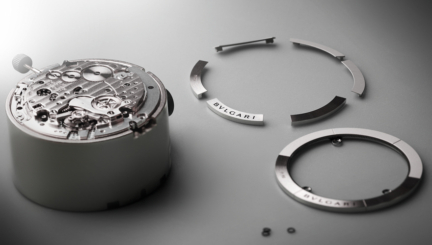 オクト フィニッシモ クロノグラフ GMT チタニウム
